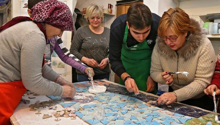 Otistik çocuklar deniz sevgisini mozaikle anlattı